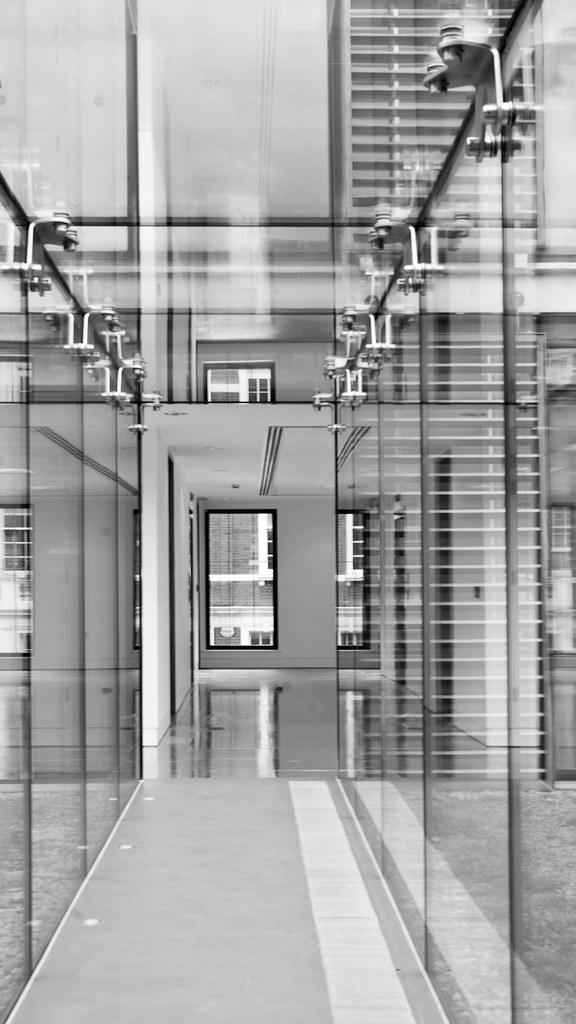 Bentinck glass walkway (ESA)