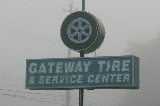 Gateway Tire Neon Sign - Memphis