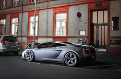 Night... (SvenK | Carspottography) Tags: lamborghini gallardo lp560 coupe superleggera lp640 murcielago frankfurt am main carspotting lambo matte limited night shot supercars svenk sven klittich carspottography photography fotografie nikon d3000 nikkor 18105 sigma 1020 mlltonne 50mm 14 18