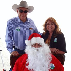 "Santa with campaign supporters • <a style=""font-size:0.8em;"" href=""http://www.flickr.com/photos/65105168@N06/6377190803/"" target=""_blank"">View on Flickr</a>"