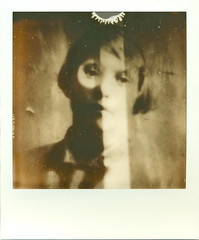 impossible ann (andrefromont/fernandomort) Tags: polaroid sx70 impossible px100 fernandomort andrfromont theimpossibleproject