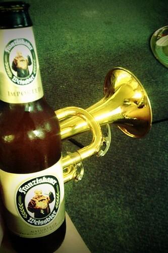 Drink trumpeting
