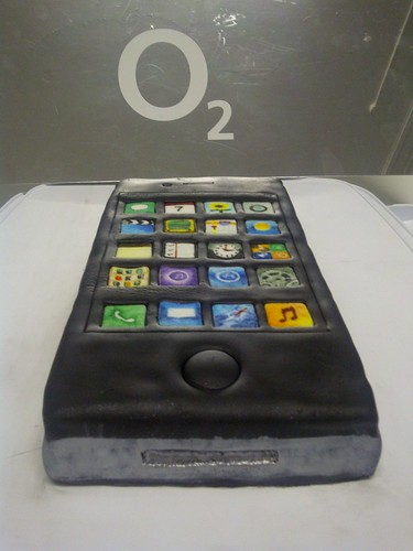 iPhone 4S Cake !!! #iPhone4S #O2 #cake by emtysoe