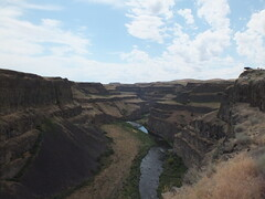 Palouse Falls (Redbeard Math Pirate) Tags: waterfall washington desert geology palouse easternwashington palousefalls channeledscablands