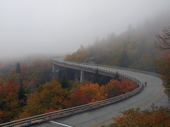 Misty morning on the Blue Ridge Parkway (Lonnie Crotts) Tags: fallleaves mountains fallcolor fallcolors northcarolina olympus blueridgemountains blueridgeparkway blueridge grandfathermountain roadbiking e510 oylmpus cyclingbicycle olympuse510 northcarolinablueridgeparkway