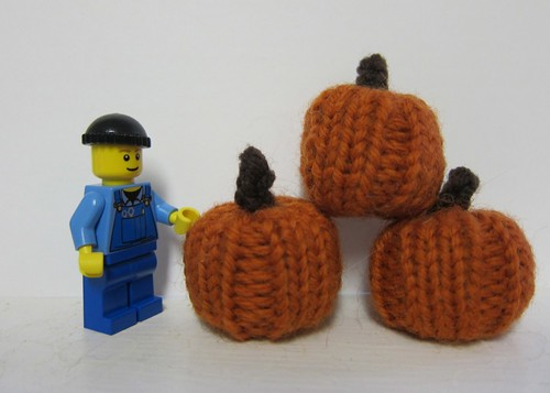 minifig and pumpkins