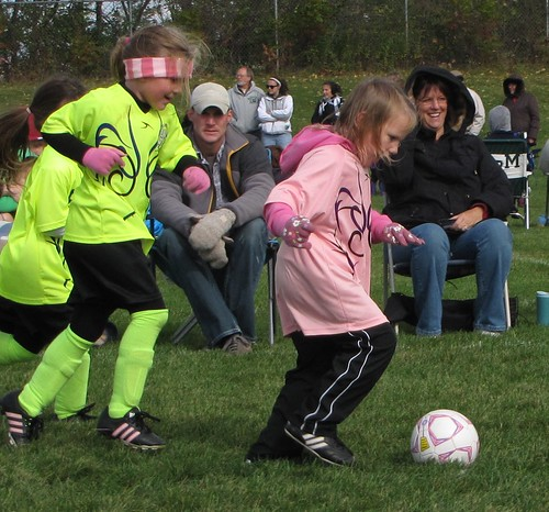 Beccas7thSoccerGame-Fall 2011 010