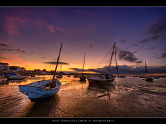 48.2011 - Poole - Sandbanks - UK - Sunset - Frame (Pawel Tomaszewicz) Tags: sunset wallpaper england sky colors beautiful clouds photoshop sunrise canon reflections boats bravo europe angle wide picture wideangle dorset bournemouth hdr sandbanks poole hdri pawel ipad chmury photomatix 1200x800 tomaszewicz paweltomaszewicz