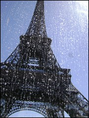 Eiffel Tower thru bus window pv927