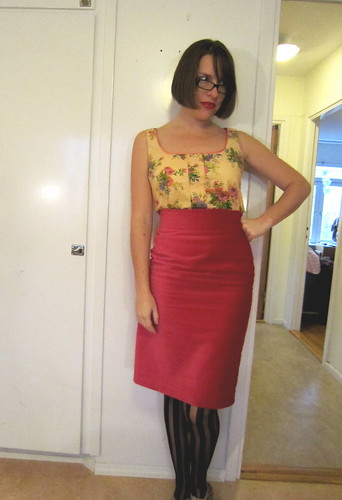 Sorbetto and pencil skirt
