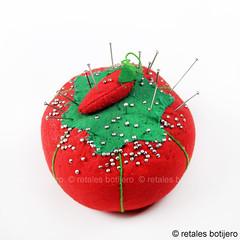 de costura (retales botijero) Tags: tomate agujas costura alfiler alfileres