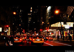 New York nights.... (angelsánchez ph) Tags: street new york city nyc cidade newyork car yellow brooklyn night canon noche calle manhattan cab taxi ciudad amarillo coche timessquare brooklin nuevayork rascacielos 60d canon60d