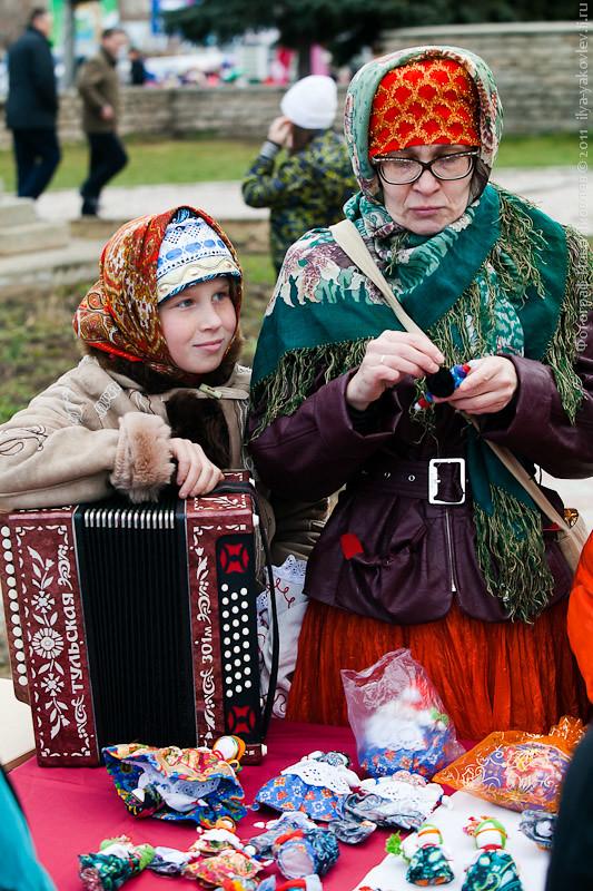 20111104-0114-Chebarkul-festival-pelmeney