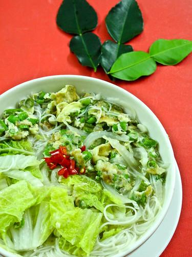 IMG_0232  Dinner - Vegetarian Beehoon soup . 素食米粉汤