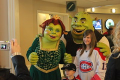 Shrek, Fiona and their Canadian kids at the American Airlines Center in Dallas (Hazboy) Tags: family green sports hockey sport kids stars nhl star dallas colorado texas shrek state fort center disney national american lone ft fiona worth airlines league avs avalanche lnh hazboy hazboy1