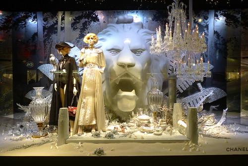 Inauguration des vitrines de Noël Chanel au Printemps - Paris, novembre 2011