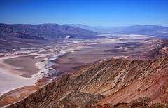 Dante's View of Badwater Basin (Dave Toussaint (www.photographersnature.com)) Tags: california above ca travel copyright usa abstract hot nature rock photoshop canon landscape photo interestingness interesting sand day view cs2 dante salt basin clear explore southern adobe deathvalley geology february desolate 2009 allrightsreserved badwater infocus denoise 40d photographersnaturecom davetoussaint nationalparkdesert ringexcellence topazlabds